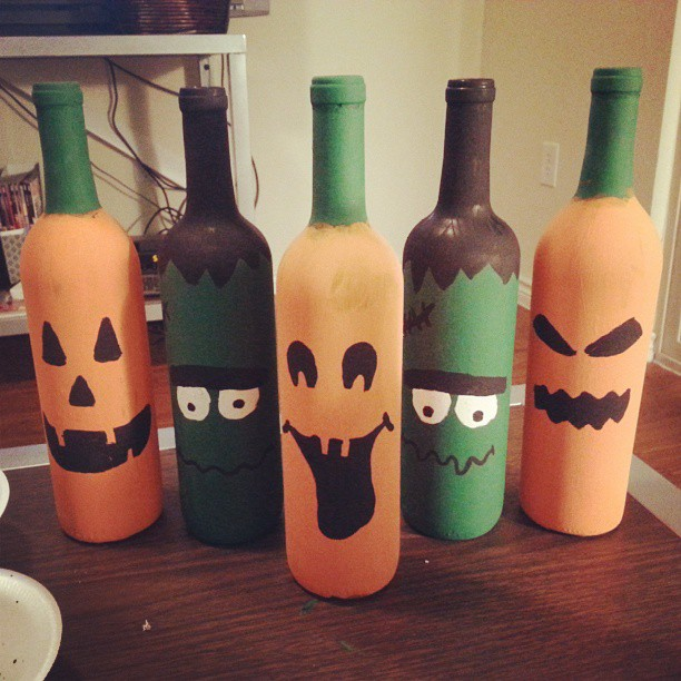 Wine Bottle Diy Crafts: DIY Halloween Wine Bottles Decor